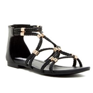 Steve Madden Solley Black Sandals. Size 9